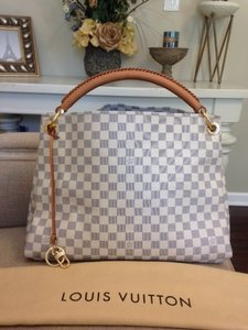 Louis Vuitton Artsy Dust Date Code Sd3181 Shoulder Bag