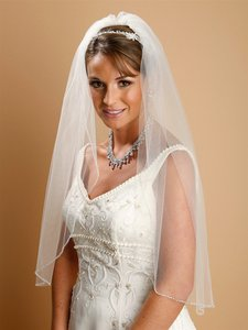 Mariell One Layer Bridal Veil With Zig Zag Bugle Bead Edging 910v-w