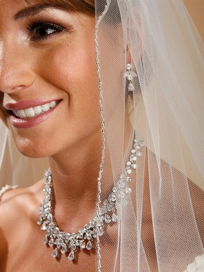 Mariell White Medium One Layer with Zig Zag Bugle Bead Edging 910v-w Bridal Veil