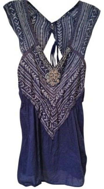 Preload https://img-static.tradesy.com/item/36232/free-people-blue-with-pattern-on-bodice-tunic-size-6-s-0-0-650-650.jpg