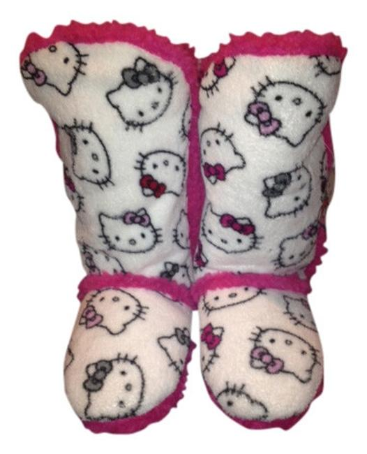 Item - White with Pink Fur Boots/Booties Size US 10 Regular (M, B)
