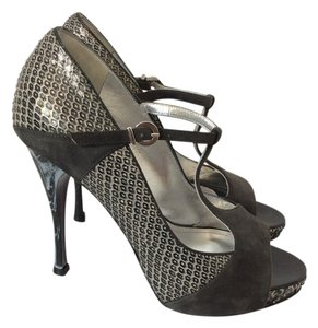Caligarius Peep Toe Animal Print T Strap Suede Black Black, silver Sandals
