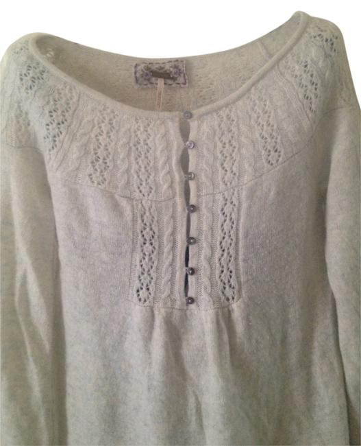 Preload https://item4.tradesy.com/images/free-people-sweaterpullover-size-8-m-362508-0-1.jpg?width=400&height=650