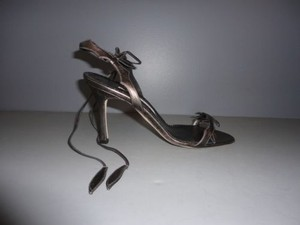 Manolo Blahnik Metallic Strappy Heels Sandals Pewter Pumps