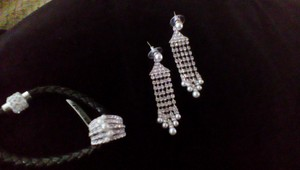 Marilyn Monroe NEW Marilyn Monroe Collection CZ and Pearl Ring w/Matching Curtain Earrings Sz 5