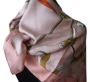 Herms Neige D'Antan (detail) Hermes 100% silk, made in France