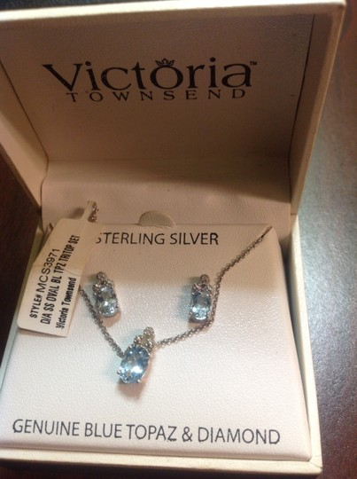 Victoria Townsend Blue topaz and diamond