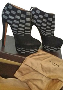ALAÏA Black & Gray Boots