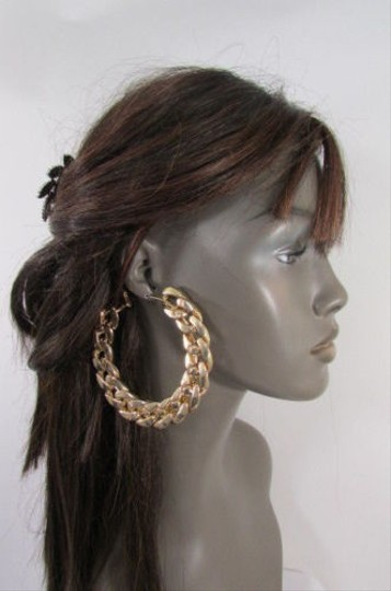 Preload https://item3.tradesy.com/images/women-4-big-chunky-thick-gold-metal-chains-fashion-earrings-set-hook-3631732-0-0.jpg?width=440&height=440
