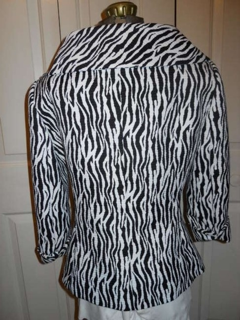 Isabella DeMarco black & white Blazer