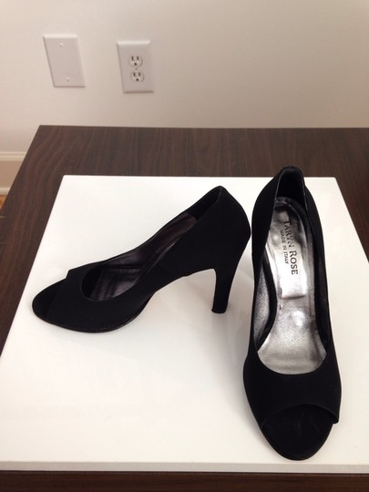 Taryn Rose Black Pumps