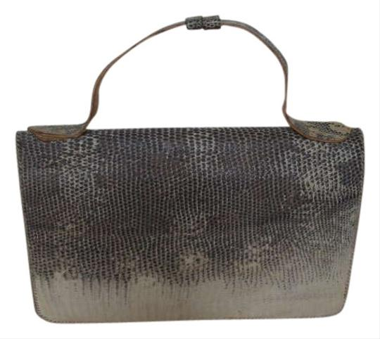 Preload https://img-static.tradesy.com/item/363442/beige-and-brown-leather-clutch-0-0-540-540.jpg