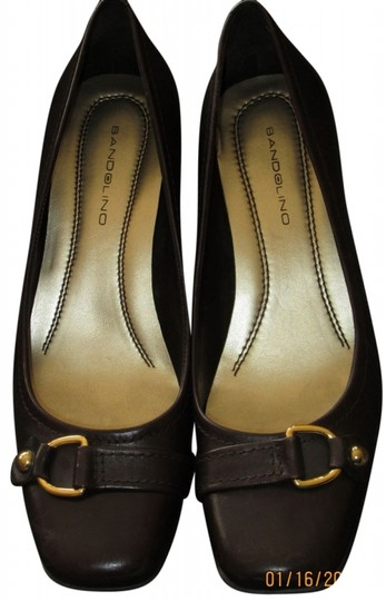Bandolino Leather Buckle Classic Brown Pumps