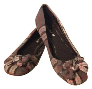 American Eagle Outfitters 7.5 Plaid Flats