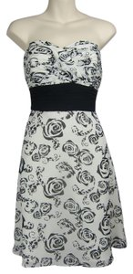 White House | Black Market Strapless Floral Flowers Dress