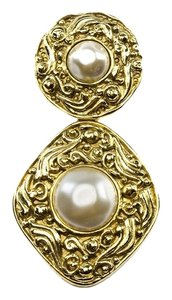 Chanel Chanel Vintage Pearl Brooch