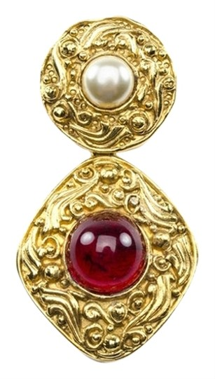 Preload https://item5.tradesy.com/images/chanel-multi-colored-vintage-poured-glass-brooch-3638704-0-0.jpg?width=440&height=440