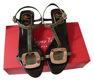 Roger Vivier 38 Gucci 38 Manolo 38 Chanel 38 Valentino 38 Green Sandals