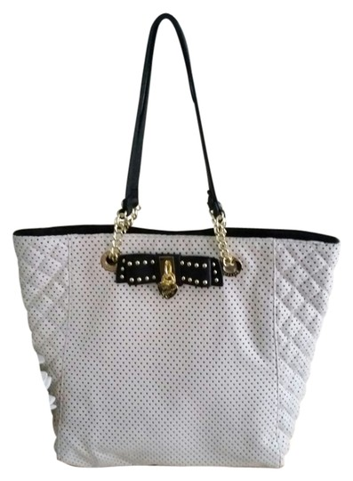Preload https://item3.tradesy.com/images/betsey-johnson-new-with-tags-adorable-tote-bow-and-hearts-whiteblack-tote-3641767-0-0.jpg?width=440&height=440
