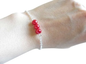 red glass pearl bracelet