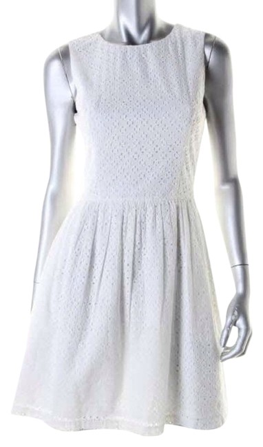 Preload https://img-static.tradesy.com/item/3647359/french-connection-white-above-knee-cocktail-dress-size-6-s-0-0-650-650.jpg