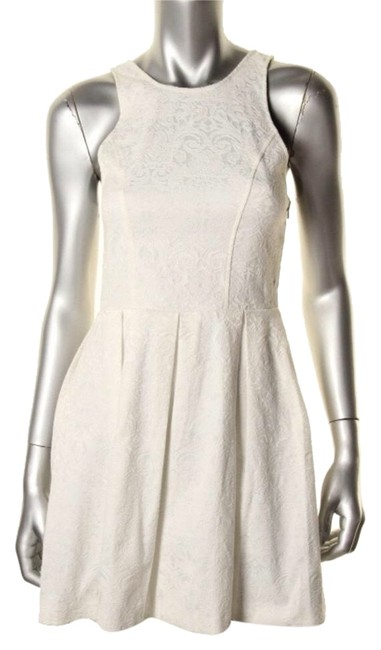 Preload https://item5.tradesy.com/images/dolce-vita-white-casual-above-knee-cocktail-dress-size-8-m-3647404-0-0.jpg?width=400&height=650