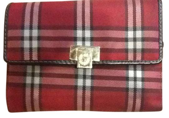 Preload https://img-static.tradesy.com/item/364857/liz-claiborne-red-plaid-tartan-print-wallet-0-0-540-540.jpg