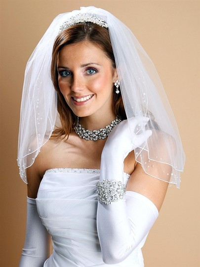 Mariell Scattered Pearl & Sequin 2-layer Sheer Bridal Or Flower Girl Veil 1548v-w