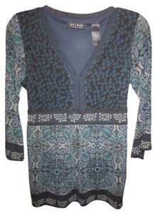 Axcess Sheer Blue Black Print Belt Vneck Top Multi