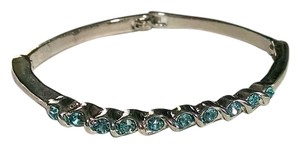 New Bangle Bracelet Silver Blue Crystals J917