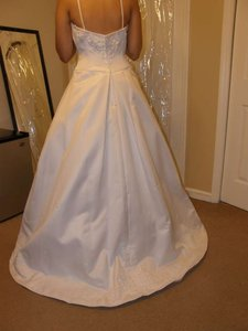 2525 Wedding Dress