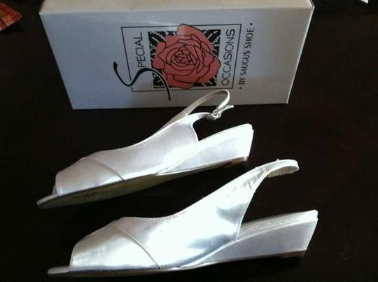Special Occasions by Saugus Shoe White Low Wedge Sandals Size US 10