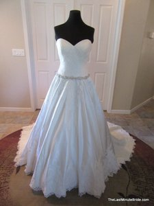 Allure Bridals Ivory / Silver Satin and Lace Applique 9165 Feminine Wedding Dress Size 10 (M)