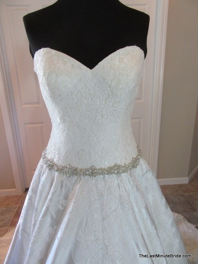 Allure Bridals Ivory / Silver Satin and Lace Applique 9165 Feminine Wedding Dress Size 10 (M) Image 4