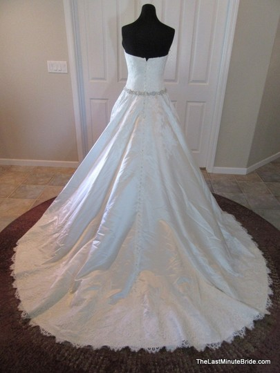 Allure Bridals Ivory / Silver Satin and Lace Applique 9165 Feminine Wedding Dress Size 10 (M) Image 6