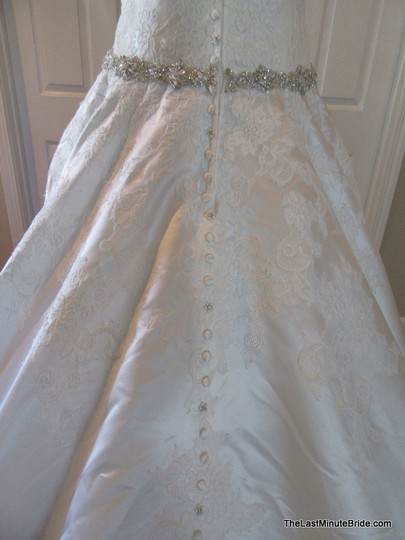 Allure Bridals Ivory / Silver Satin and Lace Applique 9165 Feminine Wedding Dress Size 10 (M) Image 8