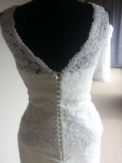 Pronovias Off White Diango Modern Wedding Dress Size 12 (L)
