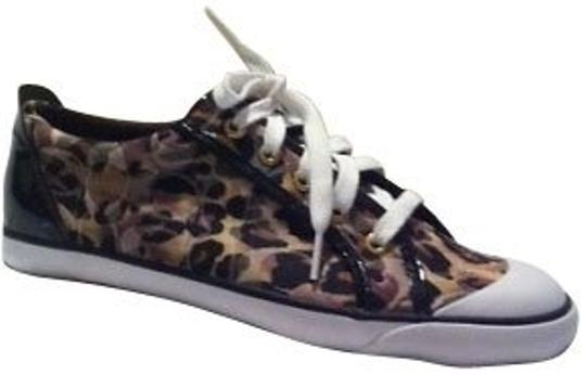 Preload https://item2.tradesy.com/images/coach-leopard-print-sneakers-size-us-8-regular-m-b-366-0-0.jpg?width=440&height=440
