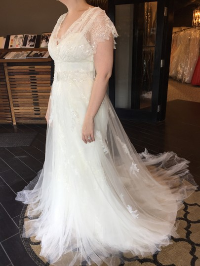 Preload https://item4.tradesy.com/images/pronovias-off-white-lace-lenussa-vintage-wedding-dress-size-12-l-366008-0-1.jpg?width=440&height=440