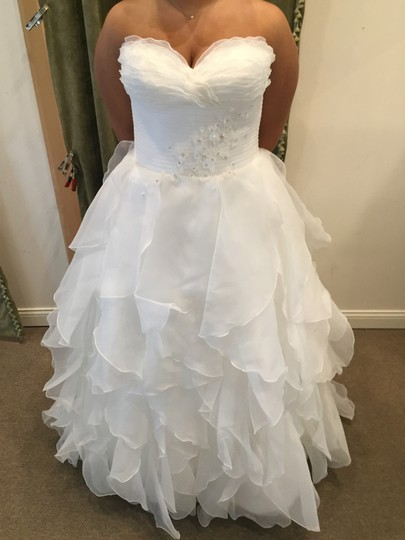 Preload https://item3.tradesy.com/images/pronovias-off-white-lastel-modern-wedding-dress-size-14-l-366062-0-0.jpg?width=440&height=440