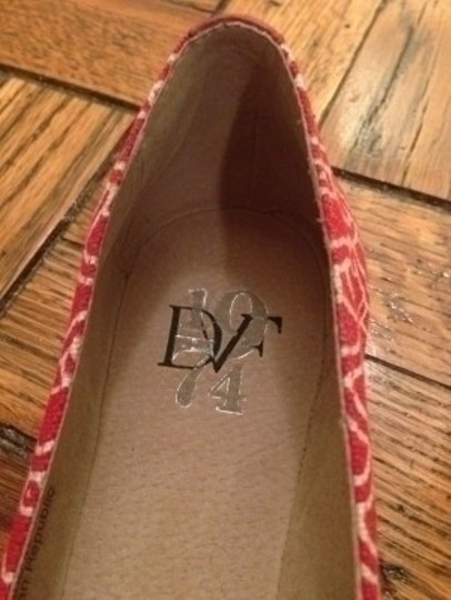Diane von Furstenberg Red and Off White Flats
