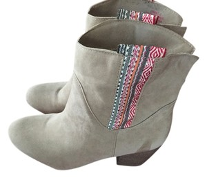 Pink & Pepper Western Chic Bootie Suede Tan Boots
