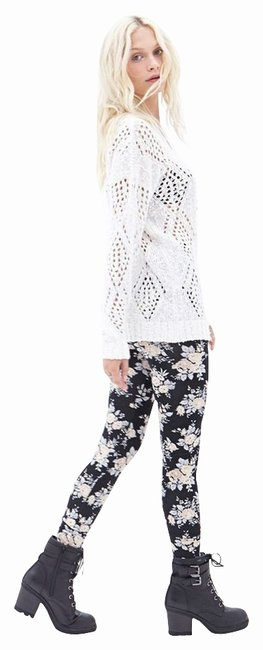 Item - Black Beige Rose Print Knit Leggings Size 4 (S, 27)
