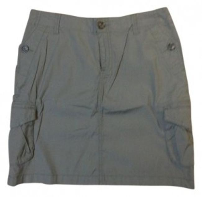 Preload https://item2.tradesy.com/images/banana-republic-grey-cargo-style-knee-length-skirt-size-4-s-27-36656-0-0.jpg?width=400&height=650