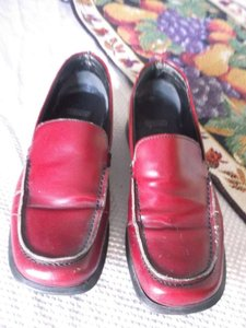 Coach Leather Size 7b Burgandy red Formal