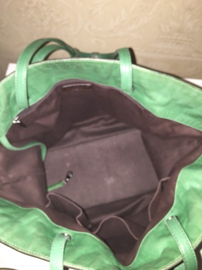 Chanel Tote in Kelly Green Image 4