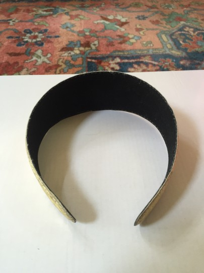 Other Flower Imprinted Gold Headband