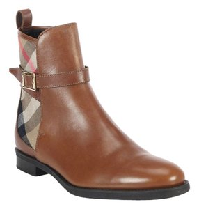 Burberry Richardson Chestnut Brown Tan Boots