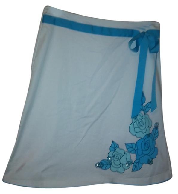 Preload https://item4.tradesy.com/images/heartsoul-skirt-white-and-turquoise-3668668-0-0.jpg?width=400&height=650