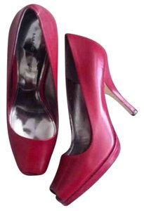 Marc Fisher Burgundy Pumps